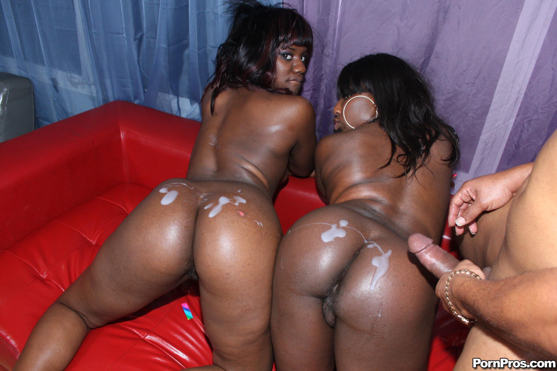 Секс с двумя негретянками 15 фотография