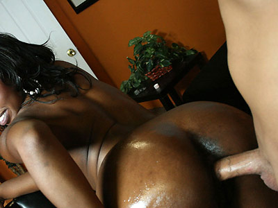 Big Booty ebony Delotta strips and fucks at a party from 40oz Bounce