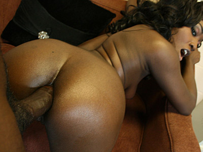 Delicious dark booty nurse bounces her huge round ass on hard dick from 40oz Bounce
