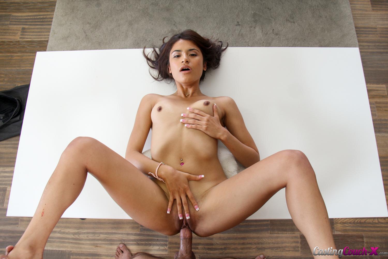 Чудесная латинка украшение порно сайта