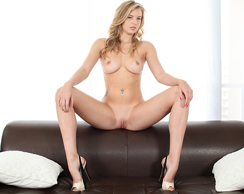 Hot Blonde Lexi Wants To Join The Biz - Picture 1