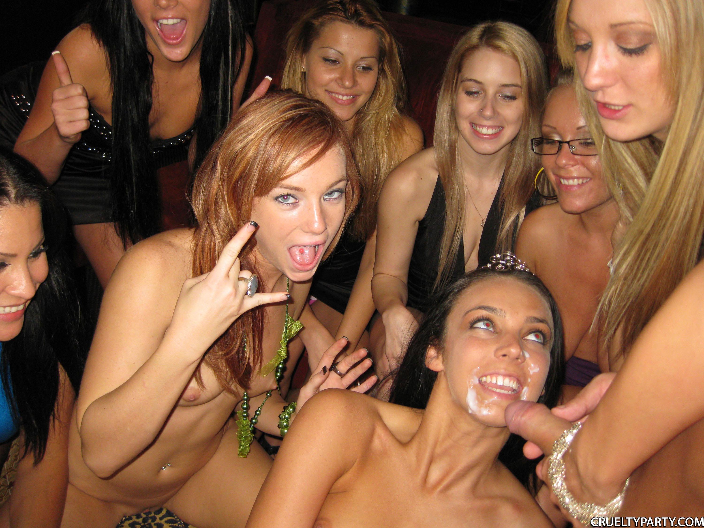 Секс на новогодних вечеринках 5 фотография
