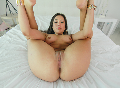 Hot Latina Babe Lorraine Mack Sucks And Fucks Huge Cock - Picture 12