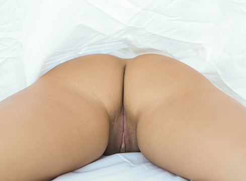 Asian Teen Morgan Lee Bed Sheet Sex - Picture 13