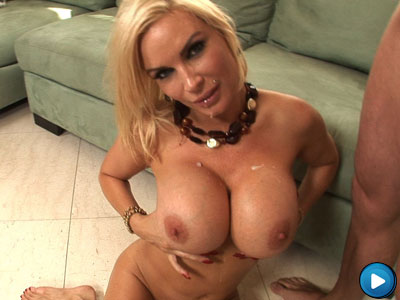 Diamond Fo Gets Her Huge Tits Fucked From Freaks Of Boobs