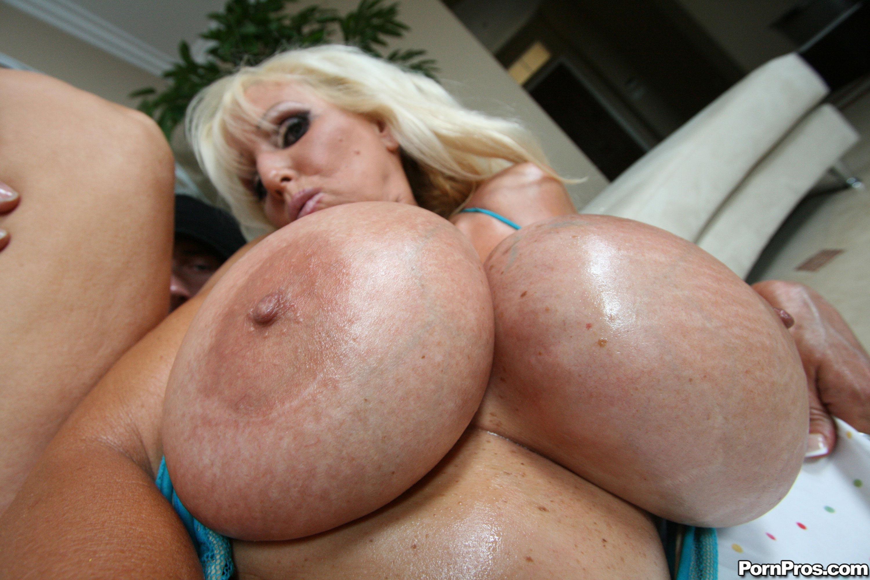 Самый огромный сиски, Категория Большие сиськи - порно большие, порно 8 фотография