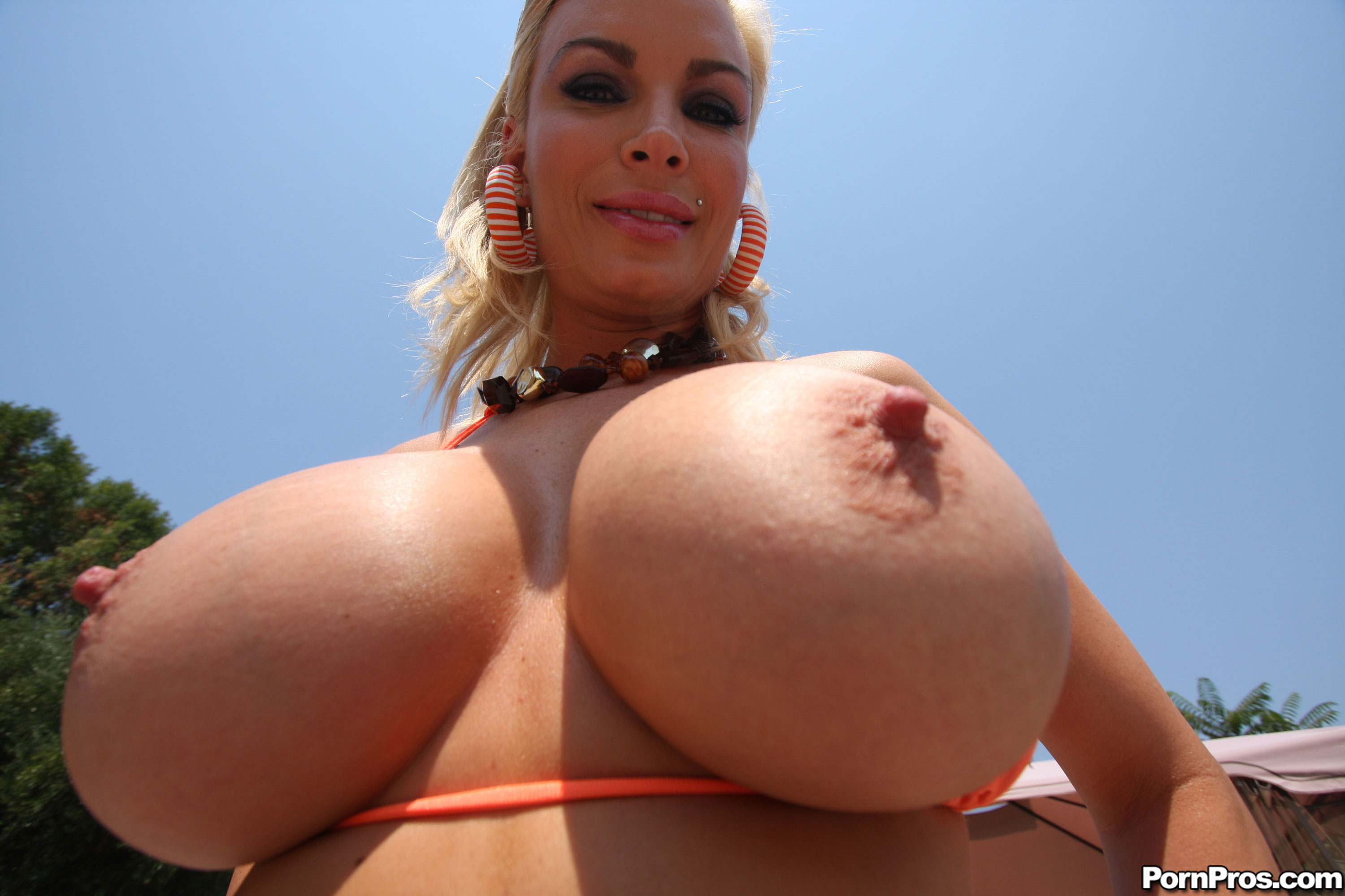 Diamond Big Boobs XXX Movies -