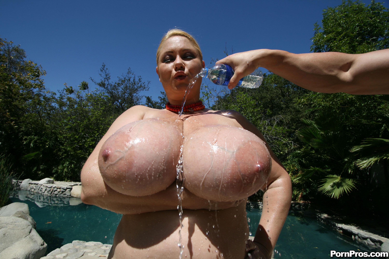 world biggest nude girls