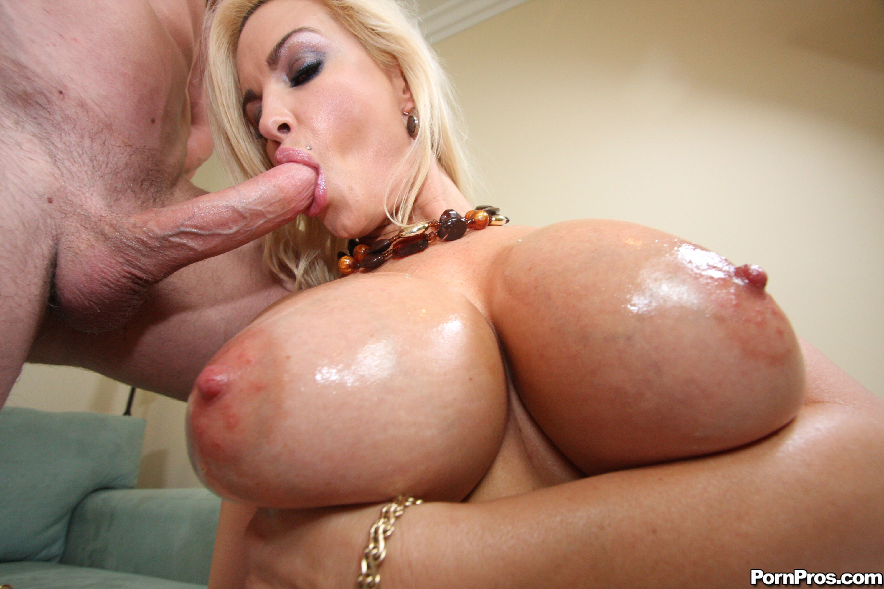 Penelope Black Diamond - Big Boobs