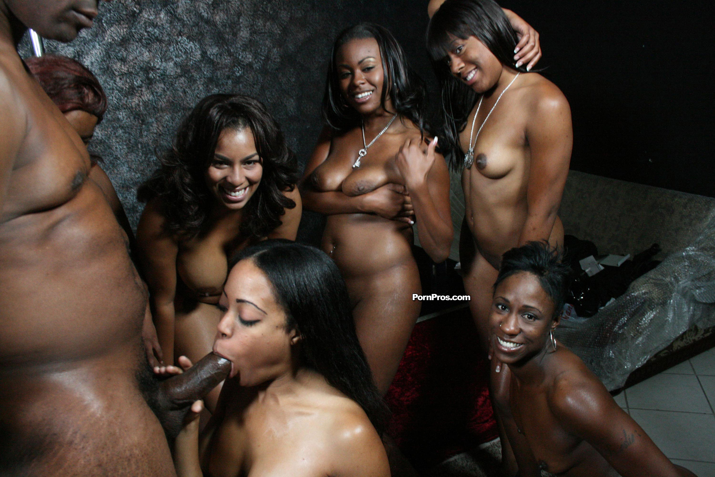 Проститутки в томске негритянки, Проститутки негритянки Томска с выездом недорого 7 фотография
