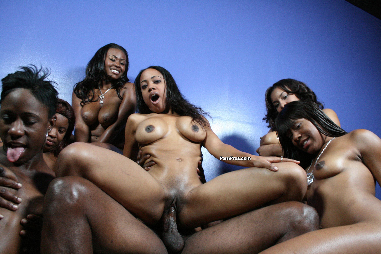 Фото голых негритянок проституток, Грудастые голые негритянки отлично занимаются 8 фотография