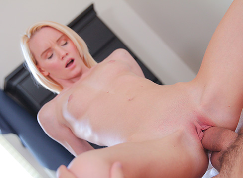 Petite Blonde Sammie Daniels Breaks Out Her Toys Before Getting Fucked By Her Man - Picture 5