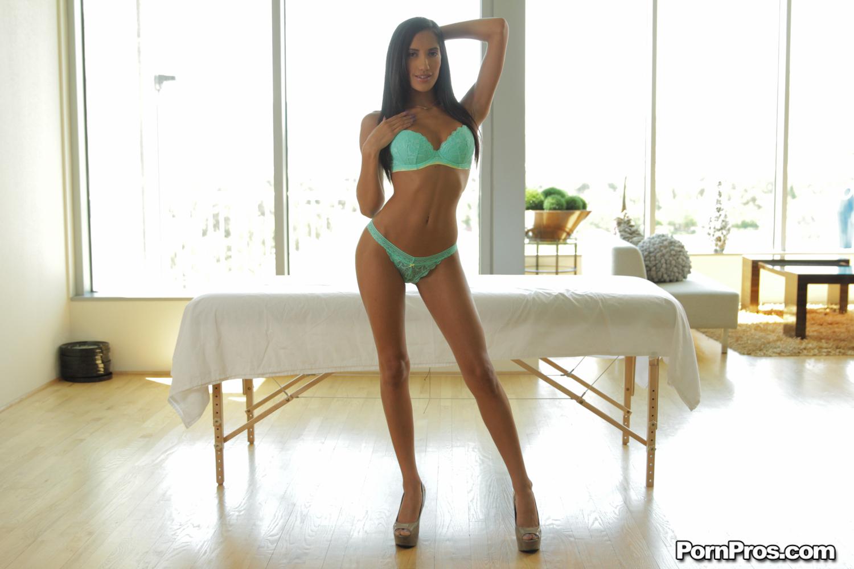 julie bowen denise naked