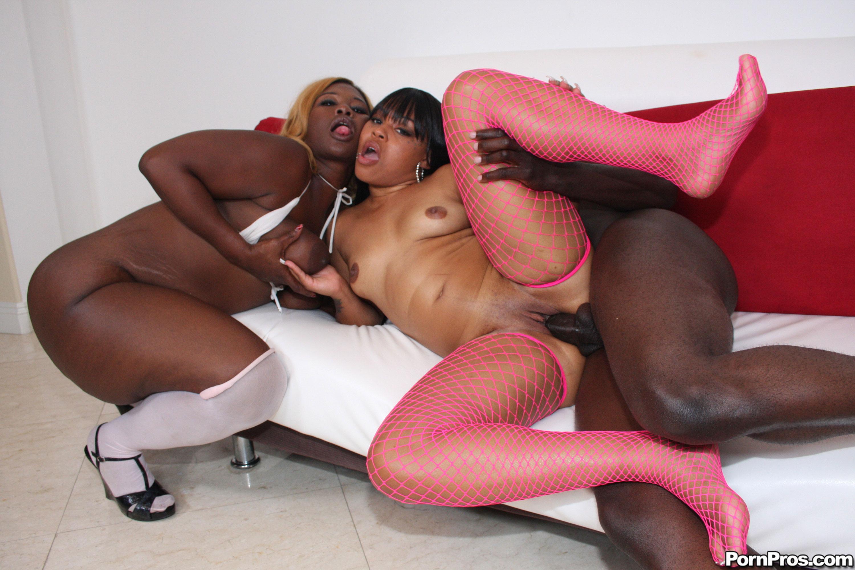 Черная негритянки ебутся 3 фотография