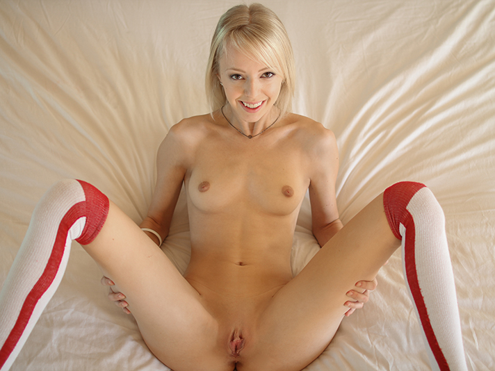 Sierra Nevadah cutie blonde