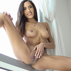 Chloe Amour Pussy Fucked Blowjob Facial Cumshot - Picture 14