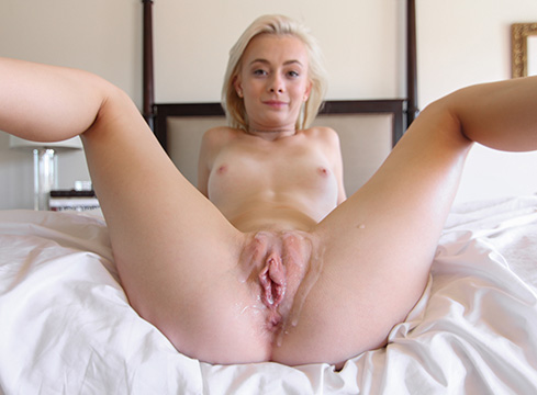 Tiny Bonde Maddy Rose Gets Her Pussy Explored By A Huge Cock - Picture 4