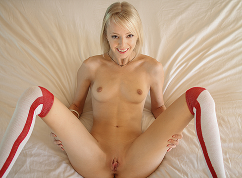 Young Blonde Sierra Nevadah Gets Her Man Up With Some Oj And A Bj - Picture 4