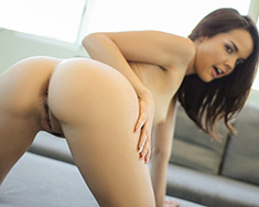 Cute Girl Dillion Harper Fucks In Bath - Picture 4