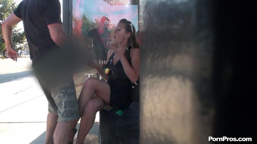 Cum on unsuspected girl lechazo a nalgona de blanco - 5 1