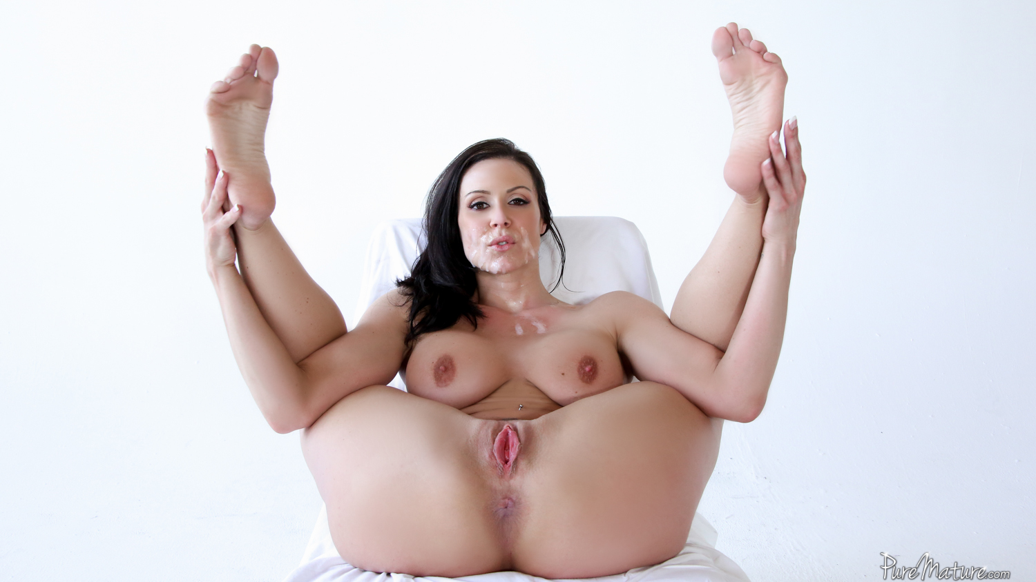 Kendra lust is a big ass milf who loves big dick 5