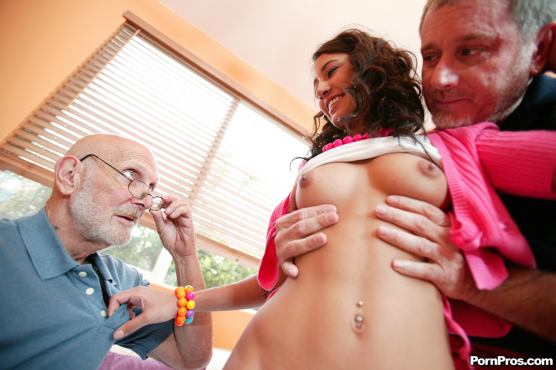 порно зрелых мужчин с молоденькими